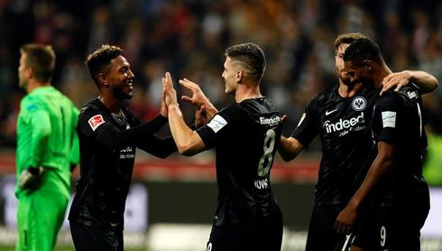 "El serbio Jovic fulmina al Düsseldorf con un ""repóquer"" de goles"
