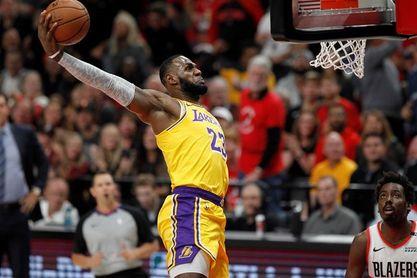 113-131. Stephenson da la primera victoria a los Lakers