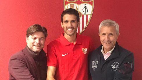 Juanpe posa con Agustín López y Pablo Blanco.