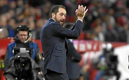 Machín, en un partido con el Sevilla.