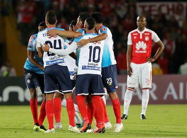 0-2. Junior sorprende a Santa Fe en Bogotá y vislumbra la final sudamericana