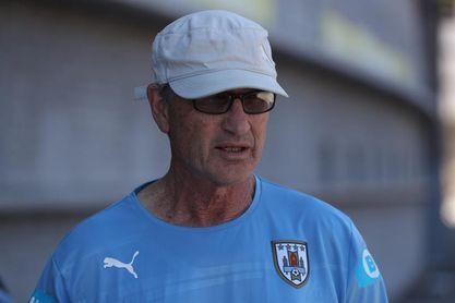 """""""Si ganamos dos partidos todo uruguayo se ilusiona"""", dice el seleccionador del equipo femenino sub´17"""