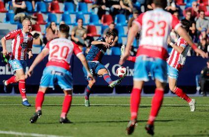 2-0. El Levante sufre hasta el final para derrotar a un peligroso Lugo
