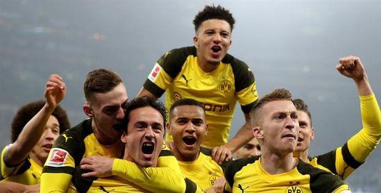 El derbi no frena al Dortmund