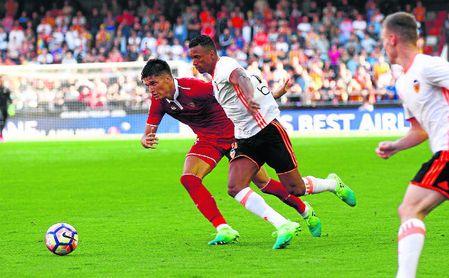 Imagen de archivo del Valencia-Sevilla disputado en Mestalla la temporada 16/17, con Sampaoli en el banquillo.