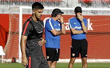 Machín ha citado a 19 futbolistas.