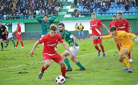 Luci se quejó tras el partido del estado del césped del Villanovense.