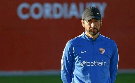 Pablo Machín, en la ciudad deportiva sevillista durante un entrenamiento del primer equipo.