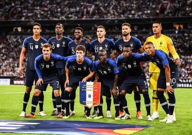 La odisea de regalar la camiseta de la selección francesa con dos estrellas