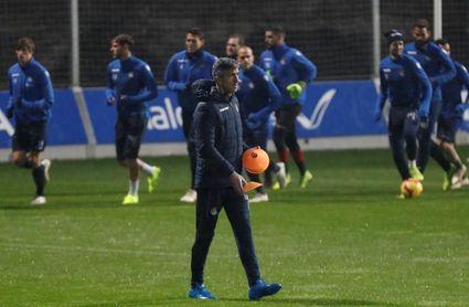 Alguacil se estrenó como entrenador de la Real y podría recuperar jugadores