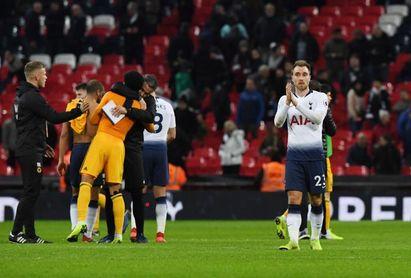 Raúl Jiménez anota en la remontada de los Wolves contra el Tottenham