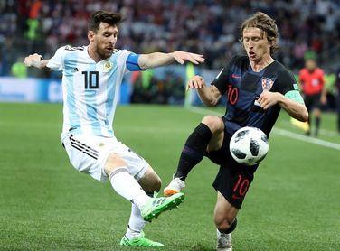 Cristiano y Messi en once ideal de L'Équipe; Griezmann fuera