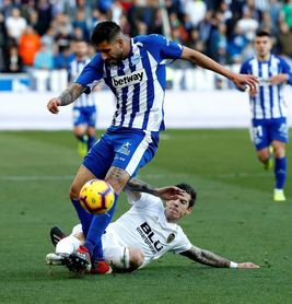 2-1. La pegada del Alavés tumba al Valencia