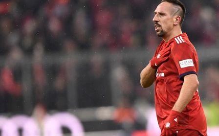 Bayern sanciona a Ribéry por insultos en Twitter, aunque sale en su defensa
