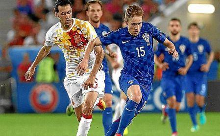 Marko Rog, en un partido con Croacia frente a España.