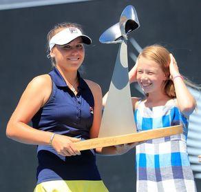 La estadounidense Sofia Kenin estrena palmarés WTA con el título en Hobart