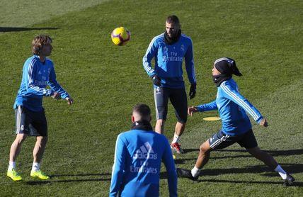 Mariano entrena con el grupo y apura sus opciones