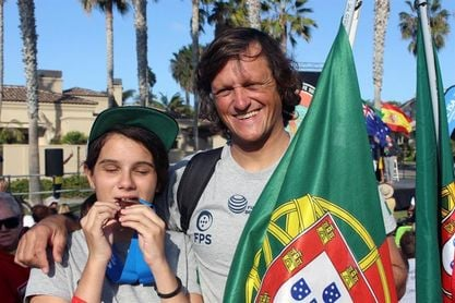 """Marta Paço, ciega y bronce en Mundial Surf: """"No me imagino cómo será el mar"""""""