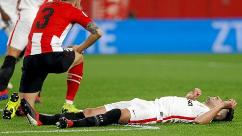 Munir se lamenta tras una ocasión en la que estuvo a punto de marcar.