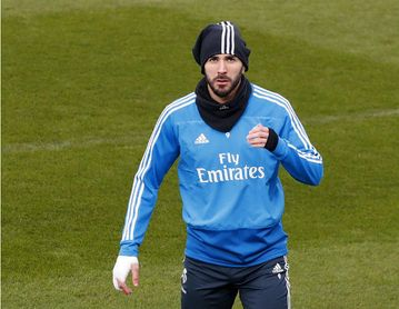 Courtois y Benzema se entrenan y podrán jugar ante el Sevilla