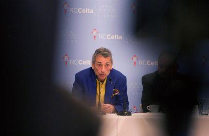 Mouriño acude al entrenamiento del Celta, en un momento delicado del equipo