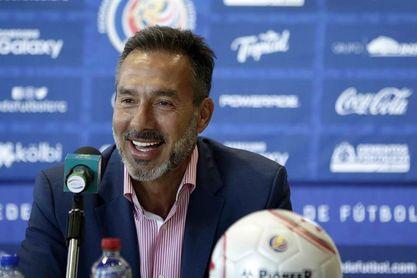El uruguayo Matosas llama a jóvenes para su debut con la selección de Costa Rica