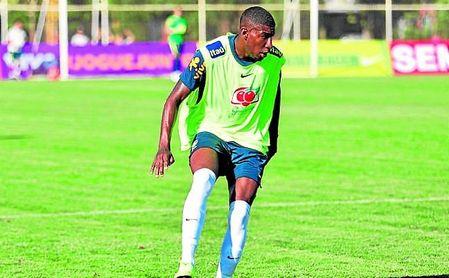 Emerson Leite, durante el último entrenamiento con Brasil sub 20.