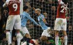 Agüero somete al Arsenal