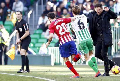 """Juanfran lamenta """"no haber podido recortar puntos"""" al Barcelona"""
