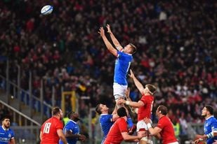 Gales no falla en Roma y sigue con el pleno de victorias (26-15)