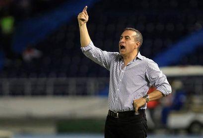 El uruguayo Sanguinetti sale del Santa Fe por malos resultados