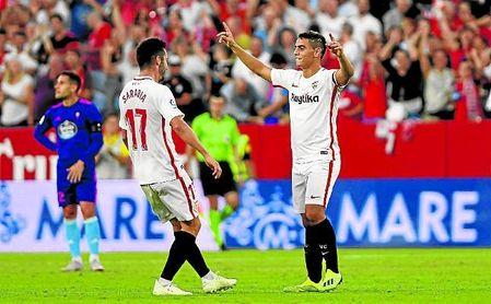 Ben Yedder y Sarabia celebran un gol.
