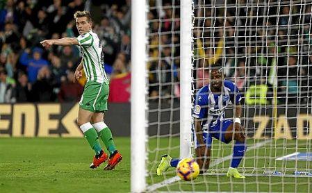 Lo Celso adelantó al Betis en medio de las dudas, pero su gol era legal.