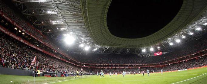 El Parlamento Vasco respalda que San Mamés acoja una final europea de fútbol