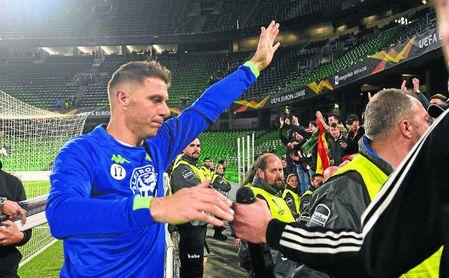 Joaquín saluda y pide disculpas a los aficionados de Gol Sur.