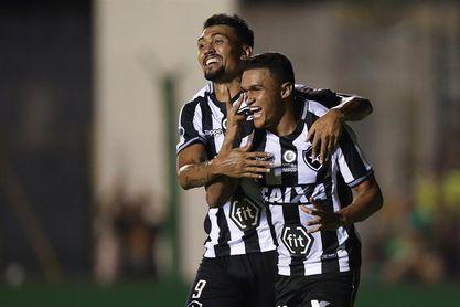 Botafogo, Unión La Calera, Liverpool y Santaní se instalan en la segunda fase