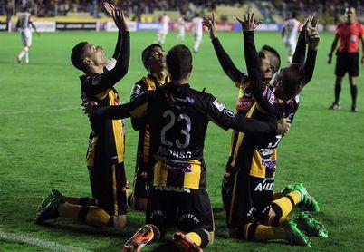 El Nacional Potosí es el líder invicto del campeonato boliviano y The Strongest gana