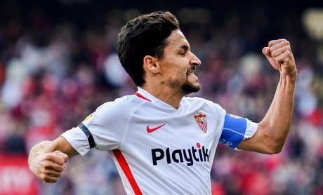 El Sevilla gana 2-1 al Barça al descanso
