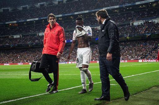 bfbb47621 El Ajax acelera el fin de ciclo en la noche más negra del Real Madrid -  Estadio deportivo