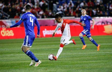 1-0. Perú gana ante Paraguay y amarga el debut de Berizzo con Paraguay