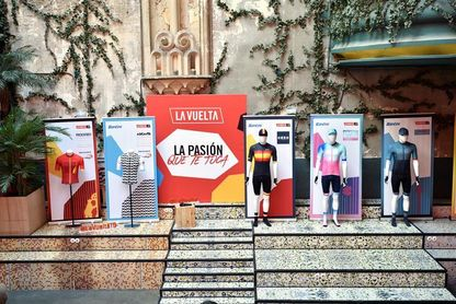 """Diseño y tradición en los maillots del décimo aniversario de """"la roja"""""""