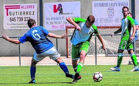 La Rociera doblegó al ya descendido Alcalá del Río para confirmar su presencia en el 'play off'.