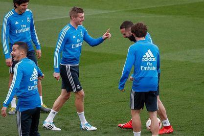 Kroos se ejercita con el grupo y Vinicius completa gran parte de la sesión