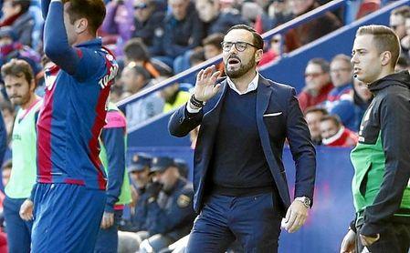 """Bordalás dice, pese a todo, que el Sevilla """"es un club grandísimo""""."""