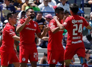 Toluca vence al América con gol de argentino Canelo y se acerca a la liguilla