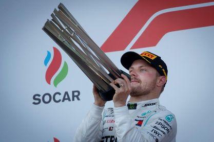 Bottas bate a Hamilton en Azerbaiyán y recupera el liderato en el Mundial