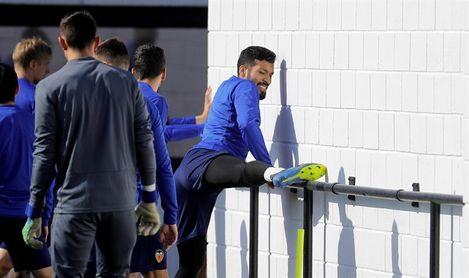 Garay sufre una lesión muscular con el final de Liga y Copa en el horizonte