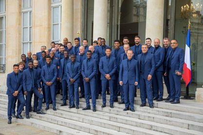 Macron condecora a la selección francesa que ganó el Mundial de Rusia