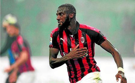 El francomarfileño Tiemoué Bakayoko busca continuidad, en el Chelsea o en otro equipo.