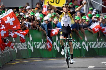 Tolhoek gana la sexta etapa y Bernal es líder
